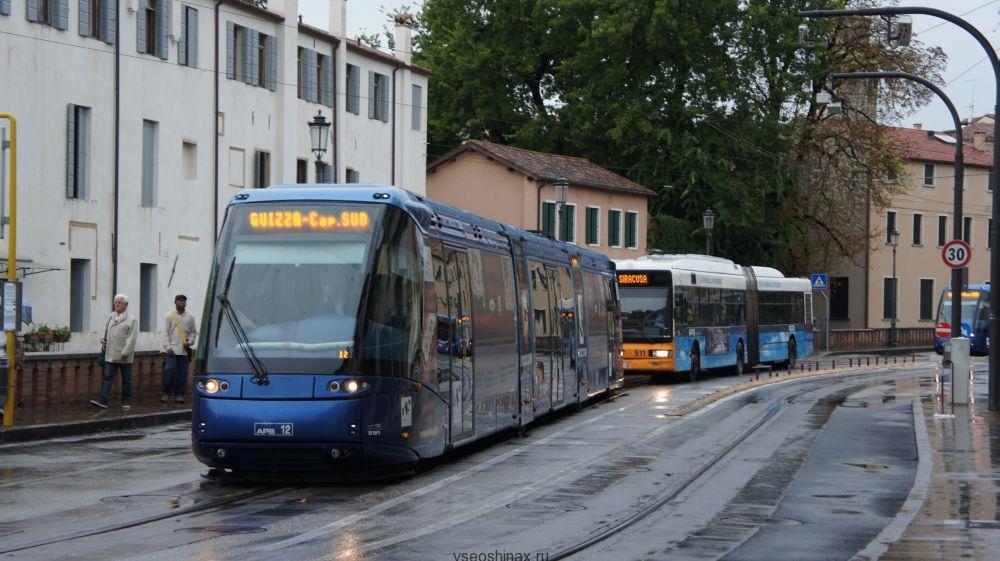 трамвай на шинах
