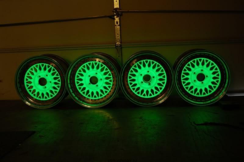 диски в ночи